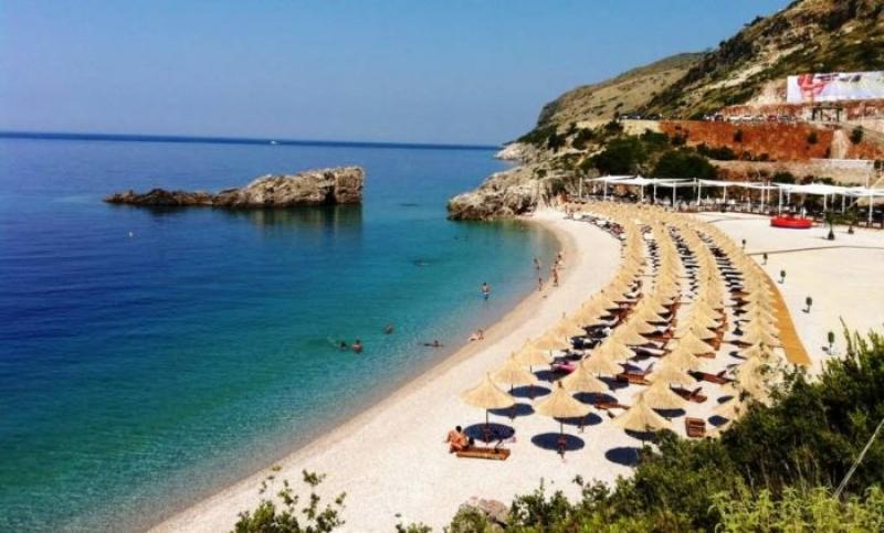 Të parët në Rajon/ 39% e shqiptarëve nuk janë në gjendje të bëjnë një javë pushime në vit, në Kosovë vetëm 11%