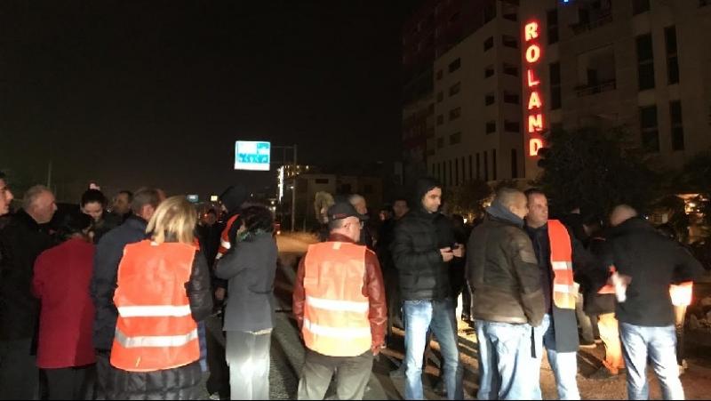 """Kërkojnë anulimin e projektit të """"Unazës"""", protestës do u bashkohet edhe biznesi"""