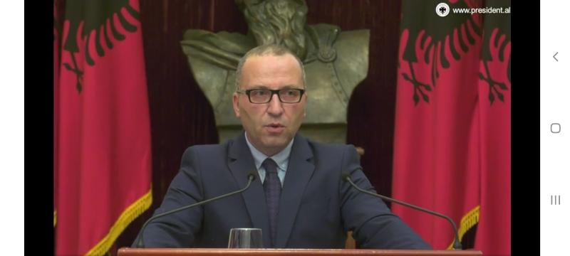 Këshilltari i Presidentit: Qeveria po rrëmben drejtësinë. Kuvendi votoi sot 10 ligje që prekin reformën