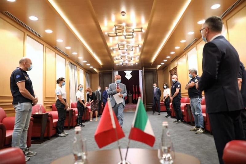 Ambasada italiane falënderon Presidentin Meta për pritjen e mjekëve