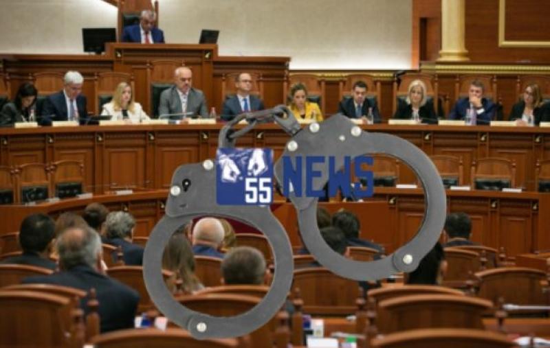 """Arrestohet """"Peshku i madh"""", kush janë 3 politikanët shqiptarë që e mbronin?! (emrat)"""