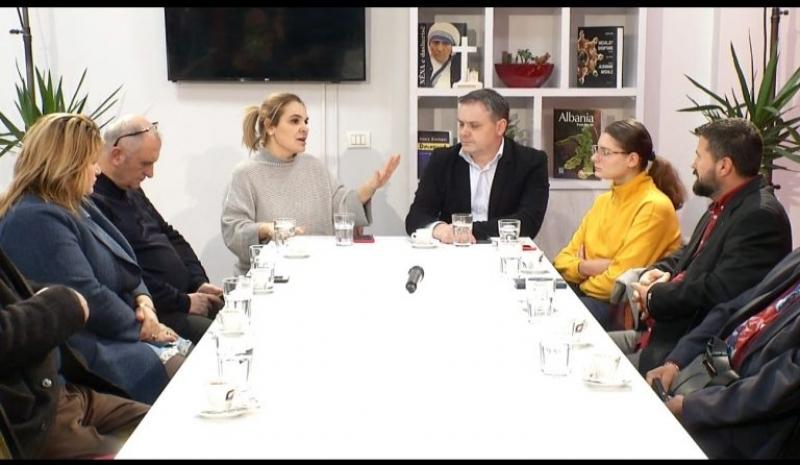 Kryemadhi në njësinë 5 në Tiranë: Paratë e shqiptarëve shkojnë tek duart e pak njerëzve dhe mafia, 92 ditë na ndajnë nga ndryshimi i madh