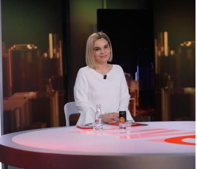 Monika Kryemadhi: Të bësh koalicion me Edi Ramën është tradhti kombëtare!