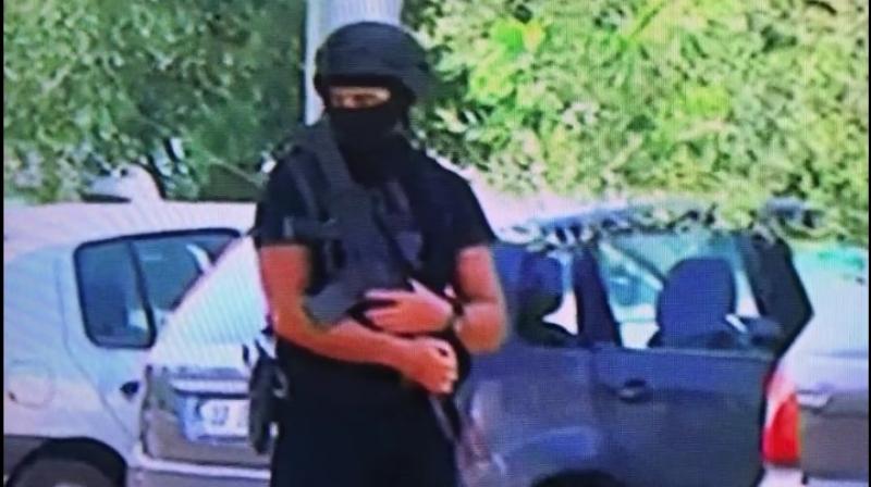 RTV Ora rrethohet me forca të shumta speciale dhe të armatosura rëndë