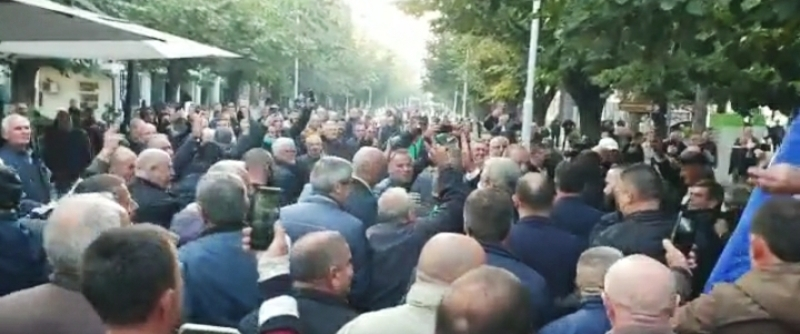 'Foltorja' në Peshkopi, qytetarët presin me entuziazëm Sali Berishën