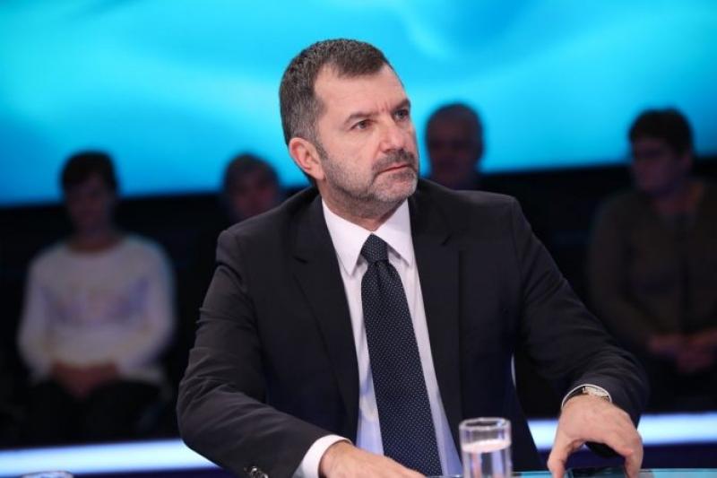 Andi Bushati: Kazani i FMN që dogji fabulën e rindërtimit