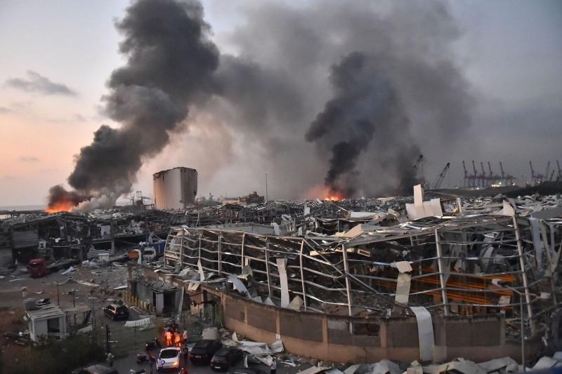 New York Times/Pse e lejoi Libani një bombë me sahat për 6 vjet në një magazinë?