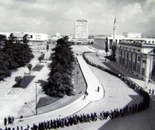 """1985/""""Nuk u bë qameti që vdiq ky"""""""