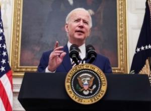 """""""Duhet të veprojmë tani"""", Biden nuk humb kohë, firmos urdhra të rinj ekzekutivë kundër urisë dhe pasigurisë financiare"""