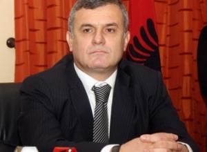 Përjashtoi Berishën nga PD/ Leskaj ironizon keq Bashën: Nuk flas se nuk na jep leje kryetari
