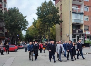 Mitrovicë, anëtarët e 'Listës Serbe' i drejtohen së bashku kutive të votimit