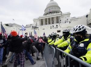 Media: Zyrtarët amerikanë konsiderojnë shkarkimin e Trumpit