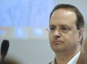 Weber: Prokurori kishte frikë se Thaçi do të negocionte amnisti