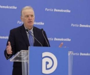 Genc Pollo ironi me kandidimin e Çomos për deputete të PS-së, kujton vargjet e njohura të Nolit