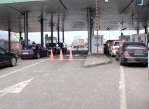 Edhe Kosova na izolon/ Kush kthehet nga pushimet në Shqipëri, futet në karantinë