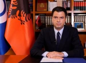 """Demokratët 'masakrojnë' Bashën/ """"Përjashtimi i Berishës nga PD është mohimi i historisë"""""""