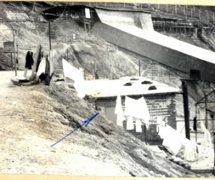 Vdekjet në minierë të të burgosurve në Qafë Bari