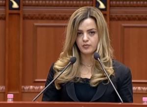 Deputetja Elda Hoti kundër shkarkimit: Komisioni i Venecias e tha qartë që nuk ka asnjë shkelje nga Presidenti Meta